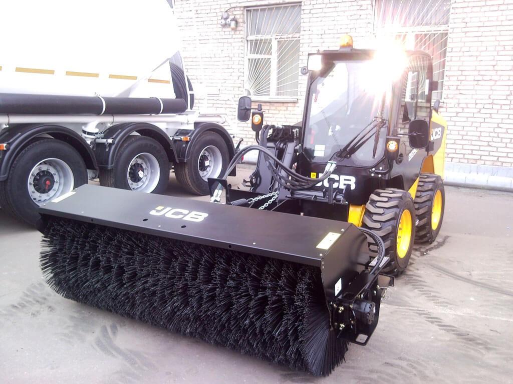 Аренда Трактор JCB 4CX + Дорожные щетки с поворотом