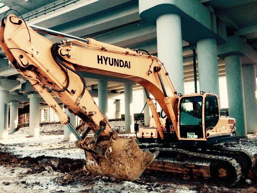 Hyundai R300LC